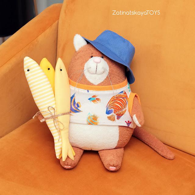 Мягкая игрушка Кот Сырник в одежде, которого я сделала своими руками из ткани по своей выкройке и пошаговому мастер-классу