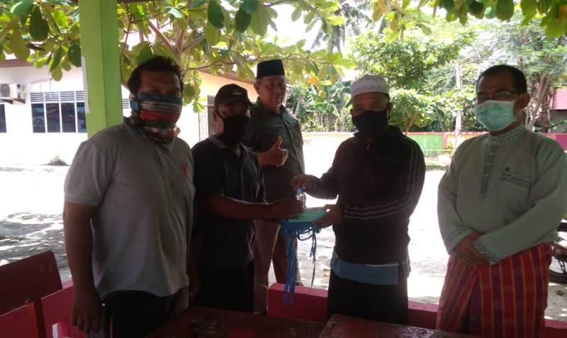 LPMK STDI Serahkan Bantuan Dua Gan Thermosuhu pada 2 RT Penjaga Portal
