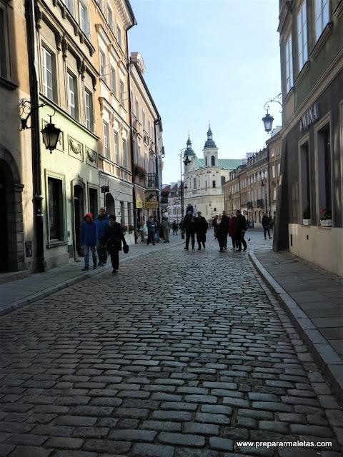 ruta por la ciudad nueva de Varsovia