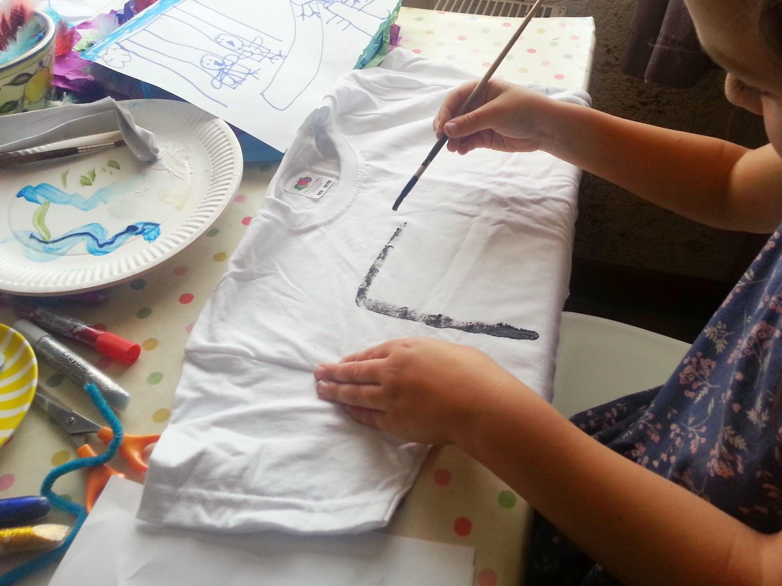 , Rainy Day Craft:  Decorate a T -Shirt
