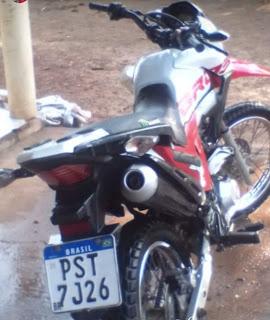 Polícia Militar prende dois suspeitos de tomarem moto Bros de assalto na Caiçara em Pedreiras.