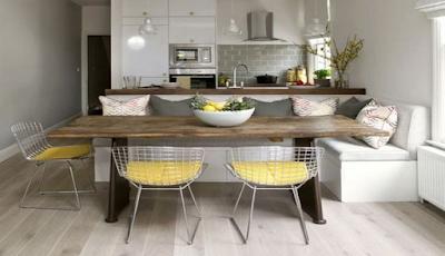 Ruang Makan Rangkap Ruang Santai di Dekat Dapur Minimalis