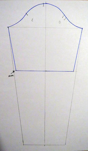 Patrón base de manga transformado para hacerla más corta y un poco más estrecha