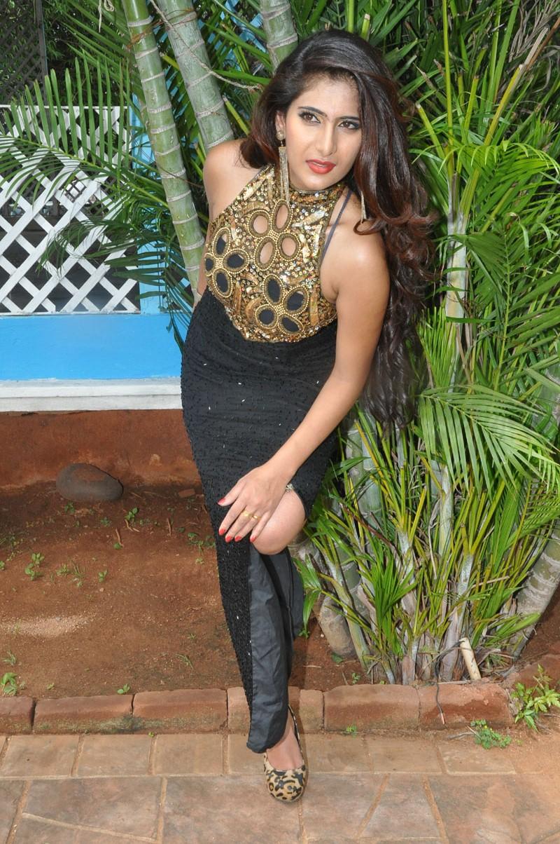 beautifum Neha Saxena hot in prom gown