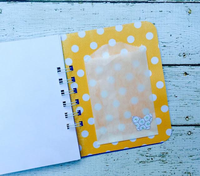#smashbook #polkadots #glassine #bag #butterfly #paperaddict
