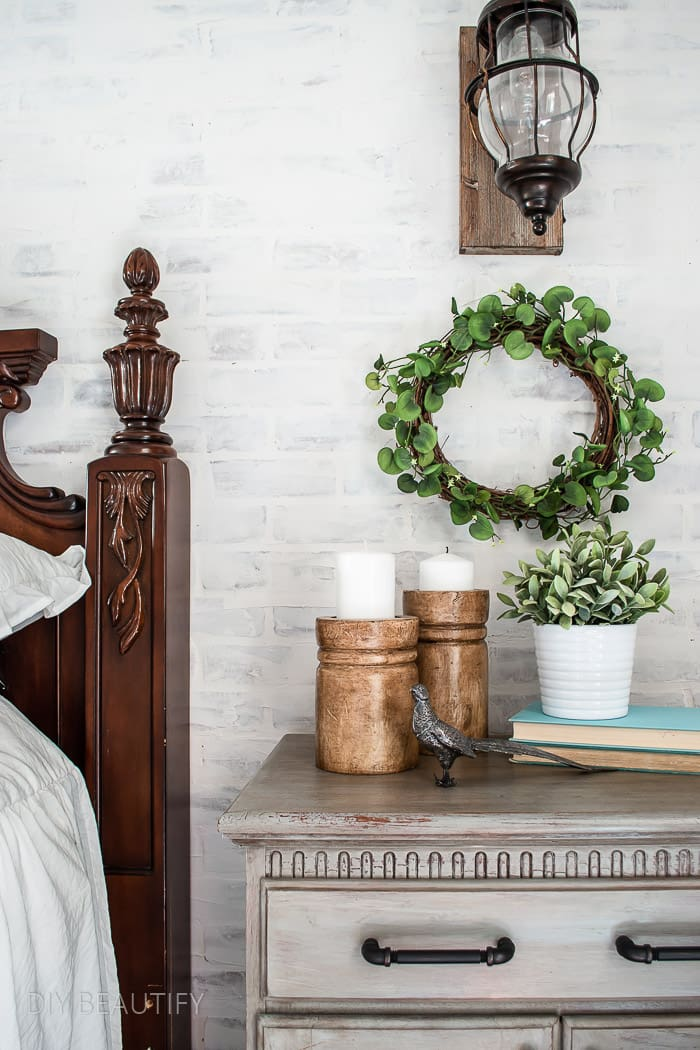 greenery wreath in bedroom