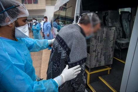 """تفاقم """"كورونا"""" يدفع وزارة الصحة إلى علاج مصابين داخل المنازل"""