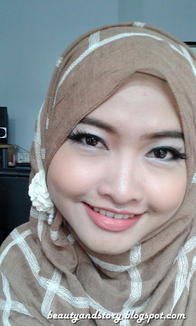 Beauty & Story: Review Wardah Matte Lipstick (Summer Pink