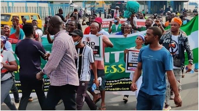PROTESTER IN OJOTA LAGOS STATE !!