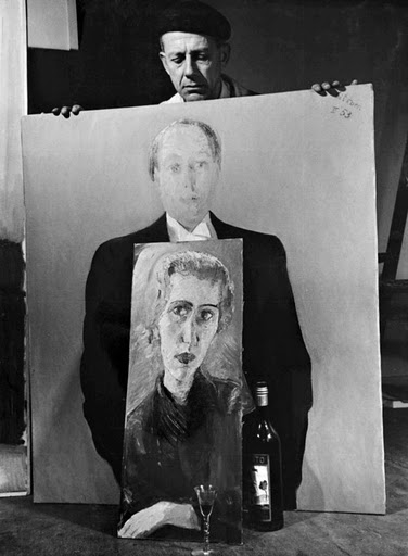 Paul Citroën holding the painted portrait of Nico Jesse 1953