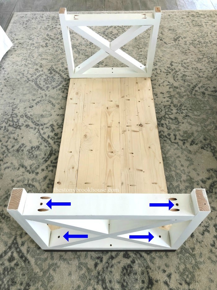 Attaching end supports to coffee table top