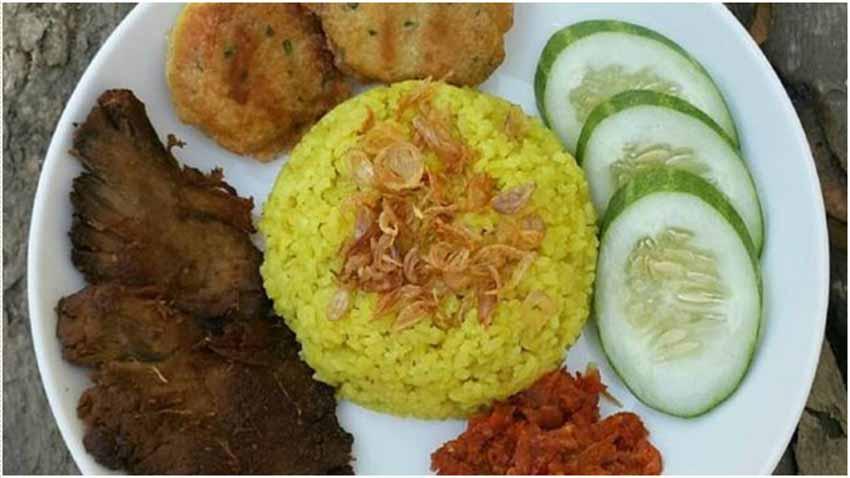 Cara Membuat Nasi kuning Rice Cooker dan Empal Gepuk