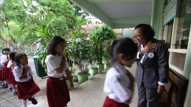 New Normal Sekolah: Kapasitas Kelas dan Jam Belajar Tatap Muka Dikurangi