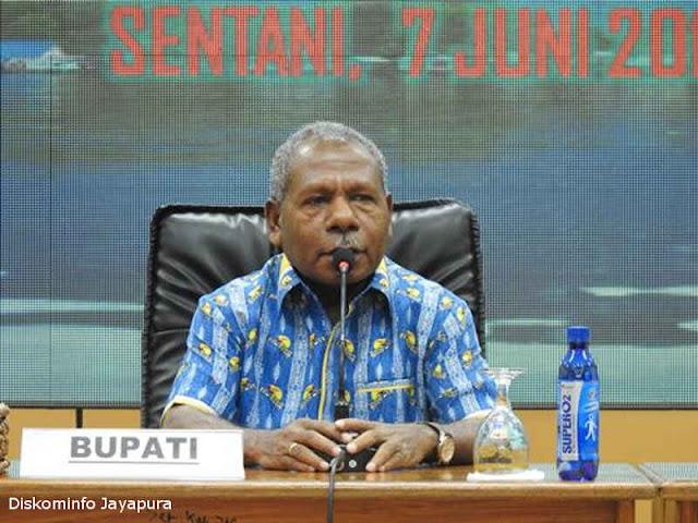 Mathius Awoitauw Gelar Rapat Pengakuan Masyarakat Hukum Adat di Jayapura