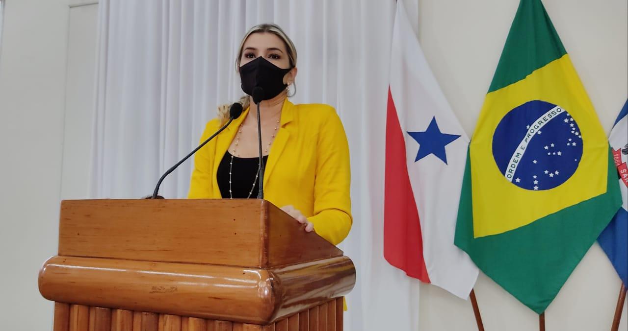 Adriana Almeida cobra do governo fiscalização nas agências bancárias da cidade