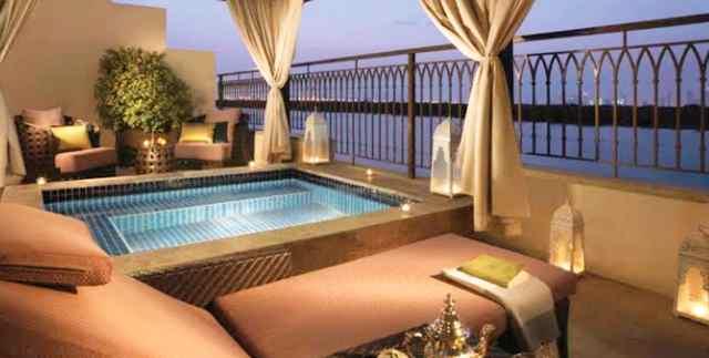 فنادق أبو ظبي التي بها مسبح خاص
