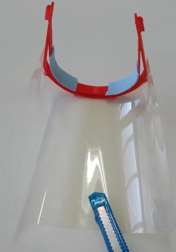 Grupo da Baixada Santista faz protótipo de máscara para hospitais durante a pandemia da Covid-19