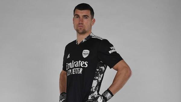 Oficial: Arsenal, firma cedido Ryan