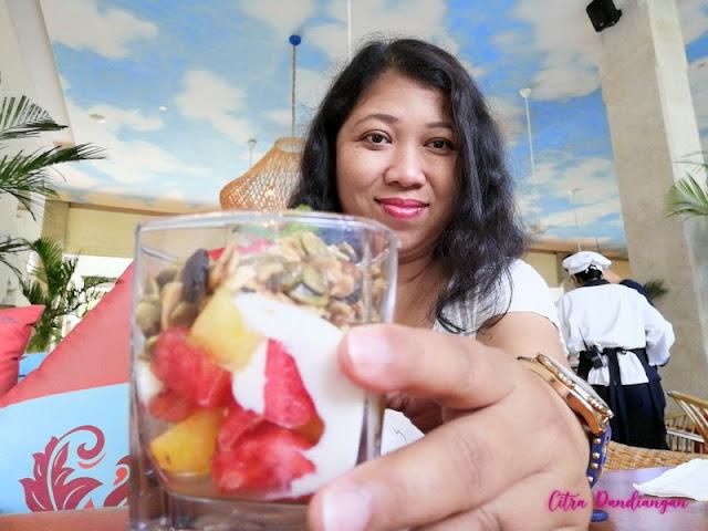Review Amnaya Resort Kuta Bali, Nyaman dan Seru
