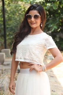 Actress Aqsa Bhatt Stills At Oru Melliya Kodu Movie Audio Launch  0005.jpg