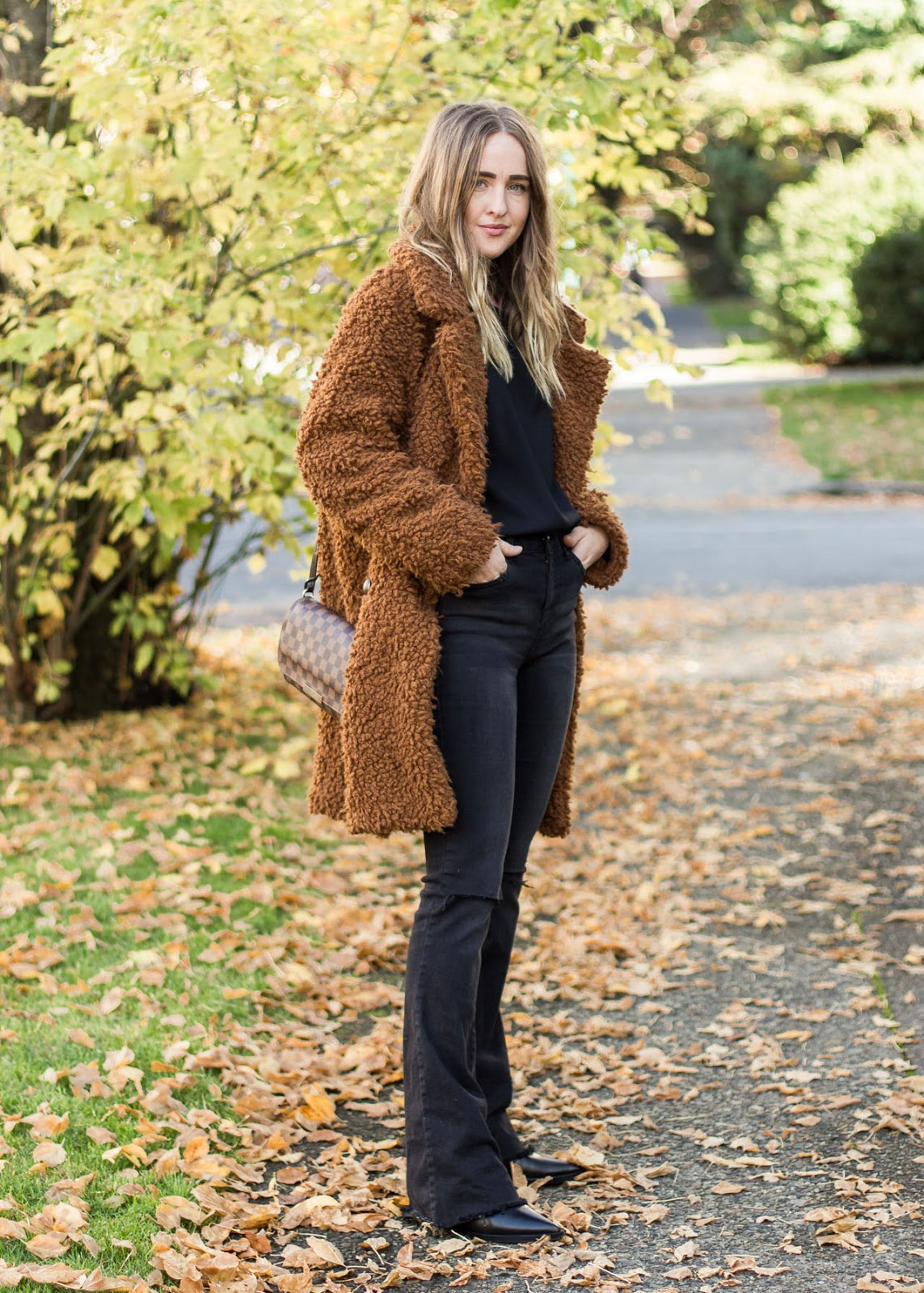 Flare jeans - Forever 21 - legs for days - In My Dreams Vancouver Fashion Blog