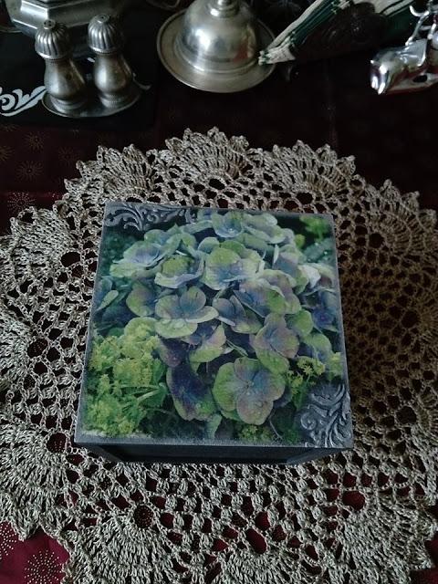 Inspiracje ze świata przyrody – pudełko z hortensjami na bogato ;)