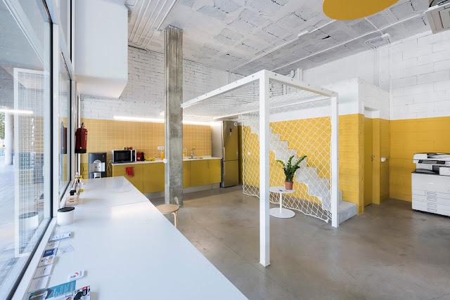 Lagerraum zu Wohnraum - so kostengünstig geht das: Mit Farbe wird es wohnlicher