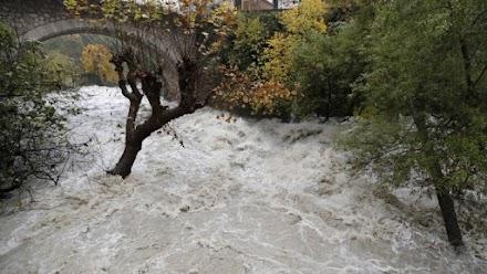 Δύο νεκροί από τις σαρωτικές πλημμύρες στη νότια Γαλλία