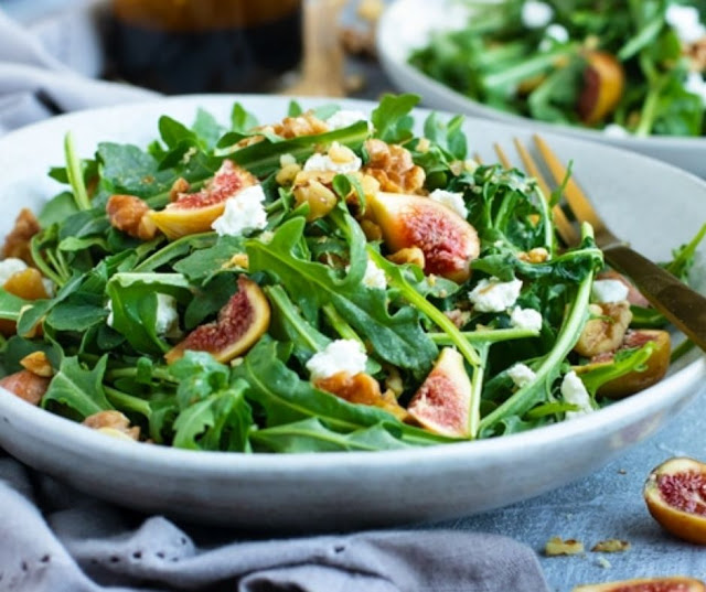 Arugula Fig Salad With Balsamic Vinaigrette