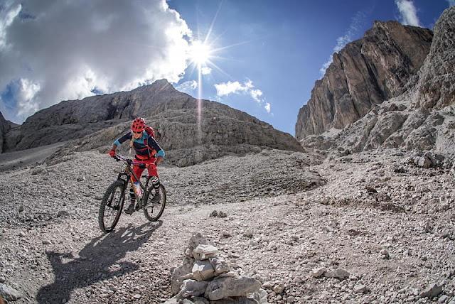 Enduro Mountainbike Pas de Antermoia