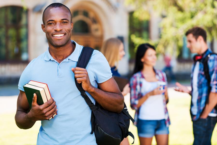 Prêmio da Capes dará R$ 5 mil a estudantes com melhores desempenhos em prova