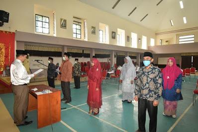 Rektor Lantik Sembilan Pejabat Fungsional Hasil Penyetaraan