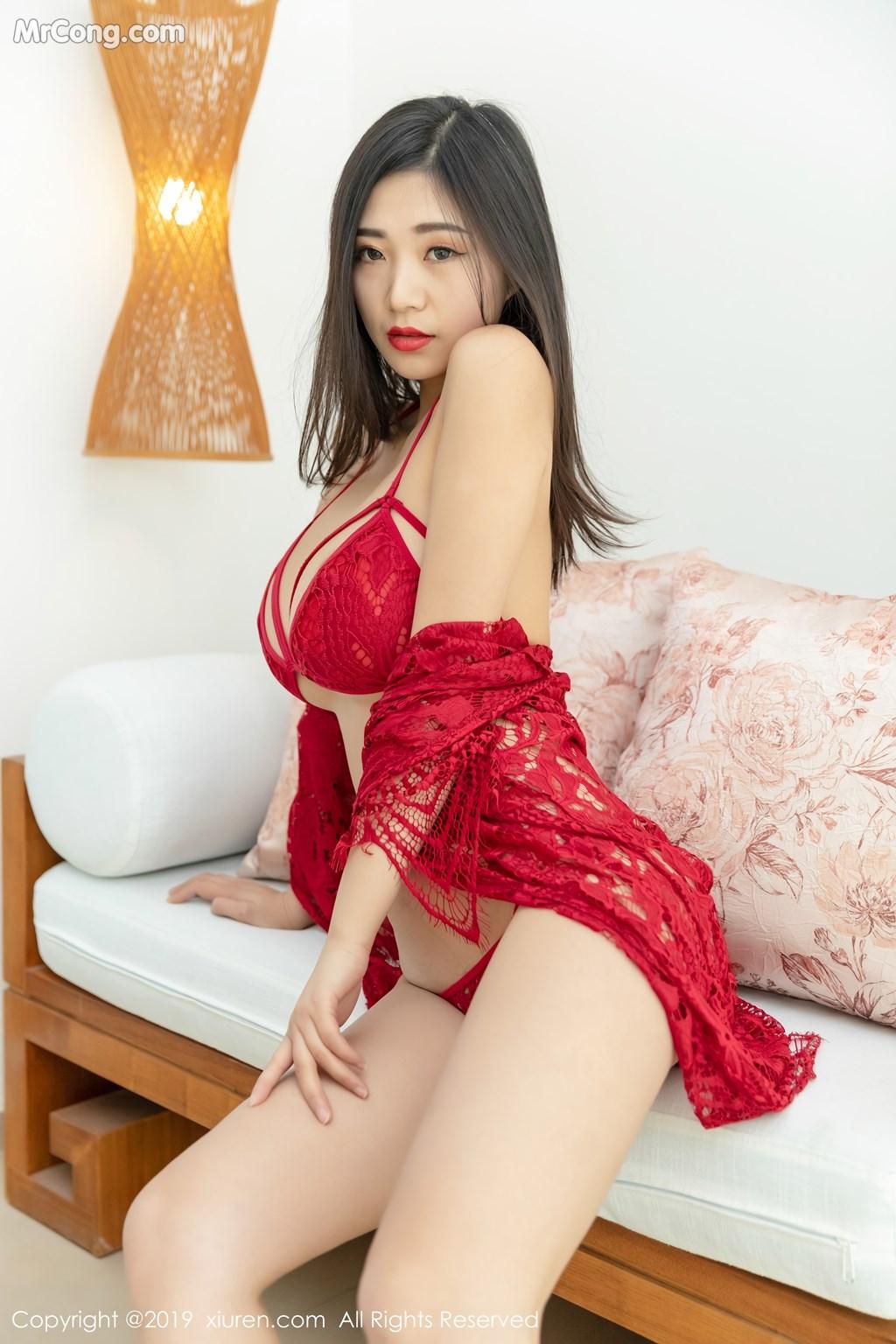 Image XIUREN-No.1327-KiKi-MrCong.com-043 in post XIUREN No.1327: 宋-KiKi (44 ảnh)