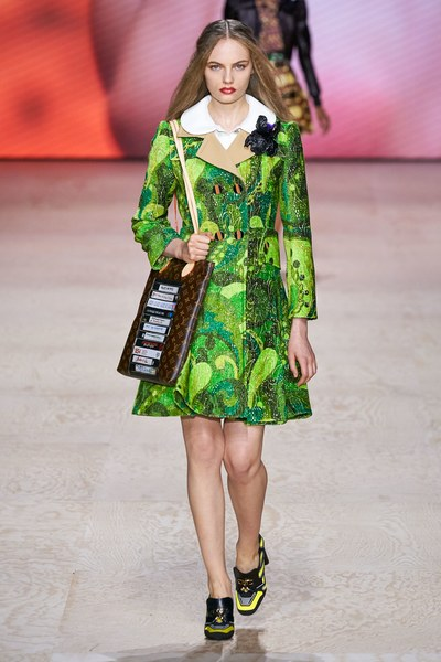 Louis Vuitton runway fashion SS20 trends be fashion blogger Kelly Fountain