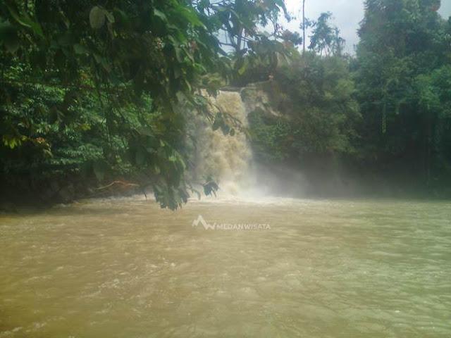 Air Terjun Tarunggang