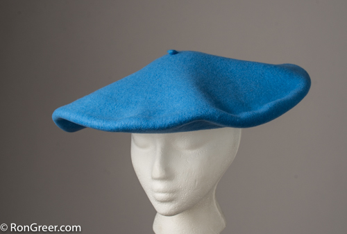 b84754f68f08e You can see these and all the other Elosegui berets I offer at my beret  site here  http   www.rongreer.net basque-beret-shop