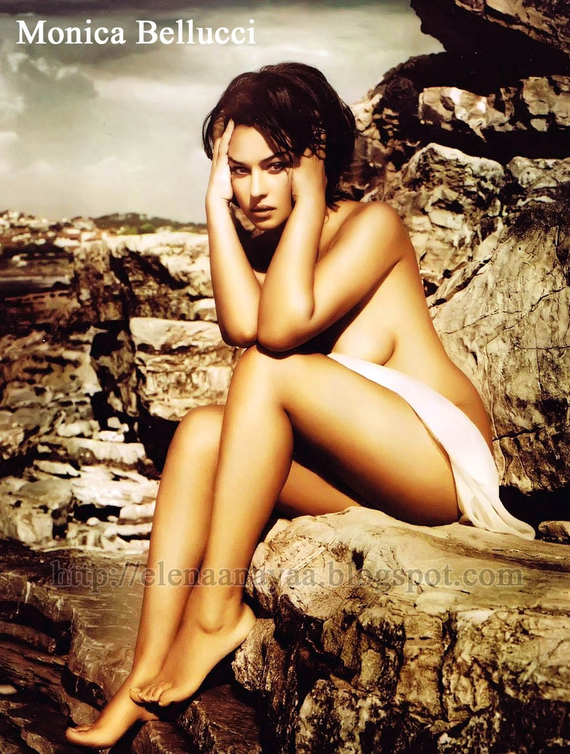Bare Body And Feet Of Monice Bellucci On Rocks
