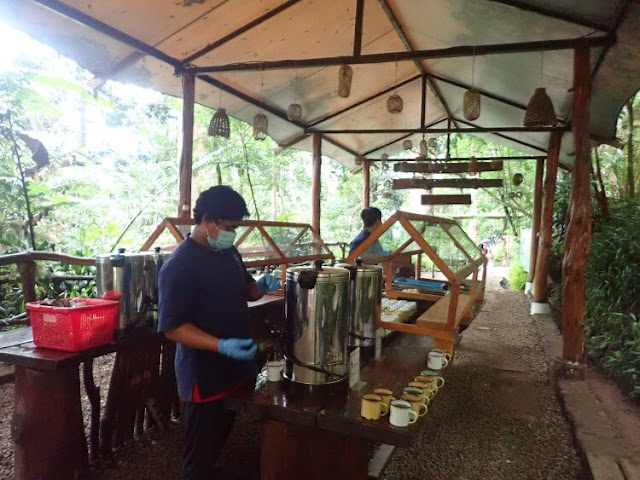 welcome drink situgunung suspension bridge