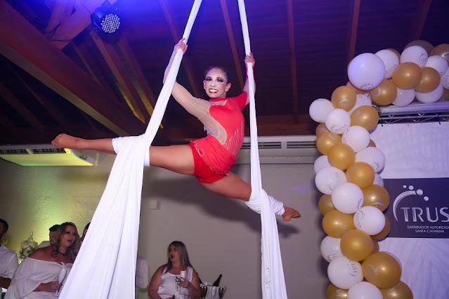 Show circense para evento de confraternização de final de ano da empresa Truss em Santa Catarina.