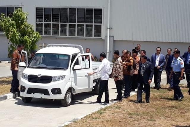Mercy S600 Sering Mogok, DPR: Saatnya Jokowi Pakai Esemka