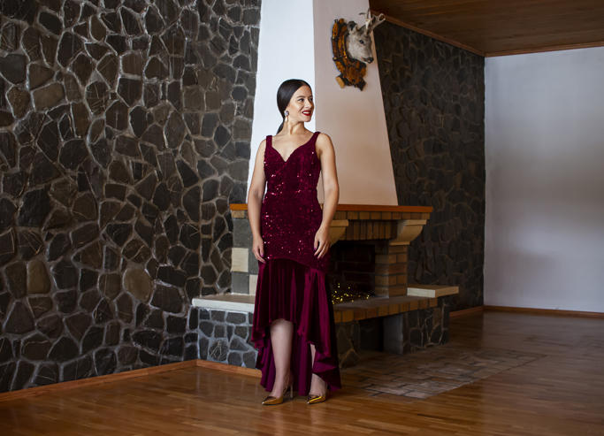 adina nanes burgundy velvet dress
