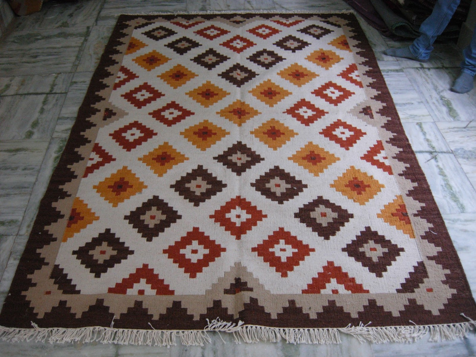 Dhurries cotton rug kelim carpets kilim rug india for Kilim designs