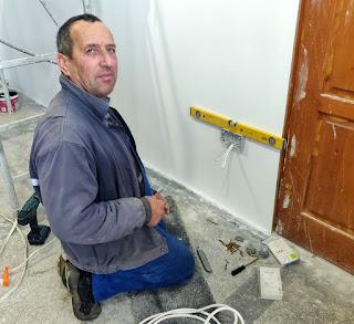Bekir fitting plug sockets
