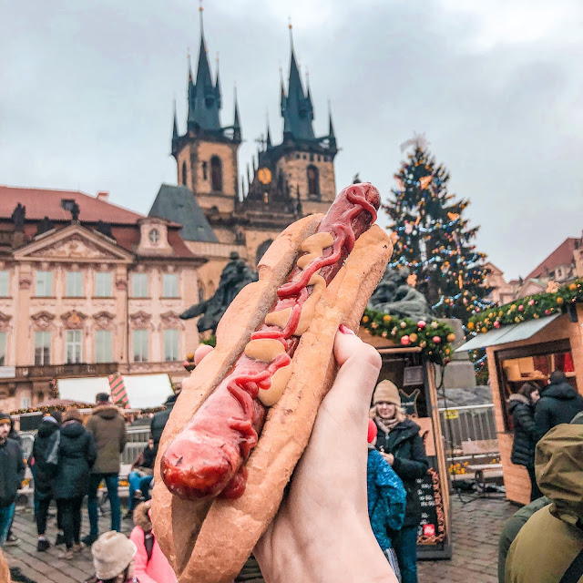 3 days in Prague at Christmas: hot dog