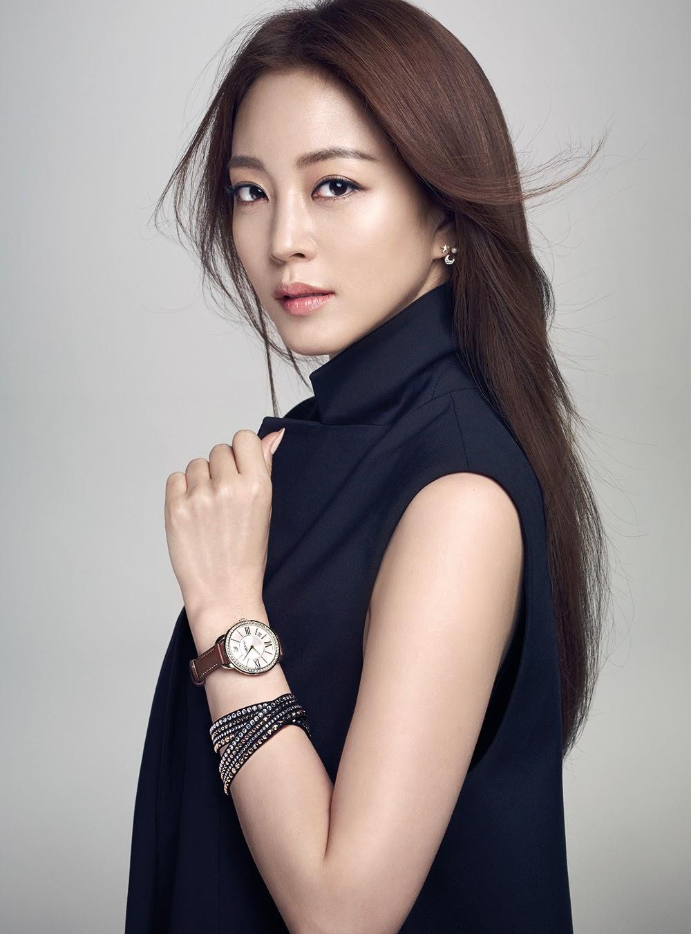 Han-Ye-Seul-Noblesse-Magazine-Apr-2015-S