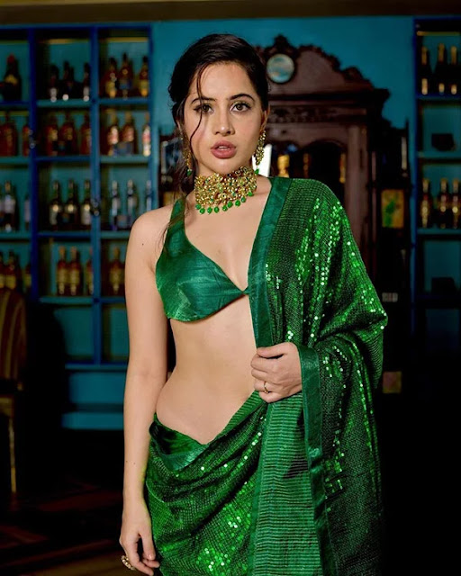 Urfi Javed Very Hot in Green Saree Photos Collection Navel Queens