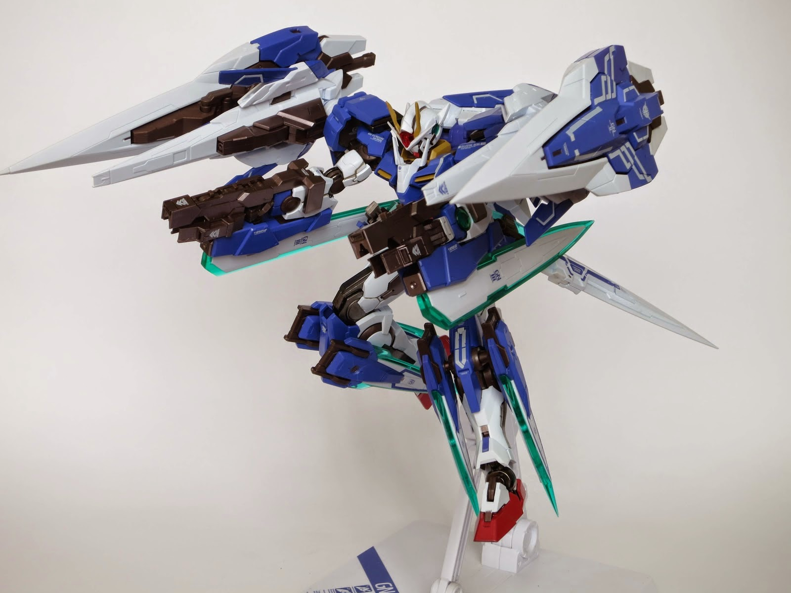 Gundam Family Metal Build 1 100 00 Raiser With Seven Sword