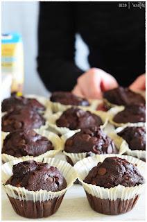 receta muffins con pepitas de chocolate -muffins de chocolate thermomix- muffins con pepitas de chocolate -muffins de chocolate microondas -muffins faciles y rapidos- muffins rapidos microondas receta- muffins salados- muffins de chocolate con mantequilla -magdalenas de chocolate -fundido cupcakes de chocolate -receta d magdalenas -recetas de magdalenas de chocolate caseras- receta de magdalenas esponjosas de chocolate- muffins de chocolate starbucks- muffins de chocolate mercadona-