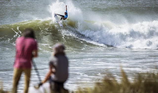 8 2014 Moche Rip Curl Pro Portugal Jordy Smith ZAF Foto ASP Damien Poullenot Aquashot