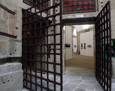 Porta de cela da antiga cadeira da relação do Porto